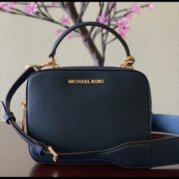 0ff4b8763d8f4 Michael Kors Bags | Nwt Karla Camera Bag Xbody | Poshmark